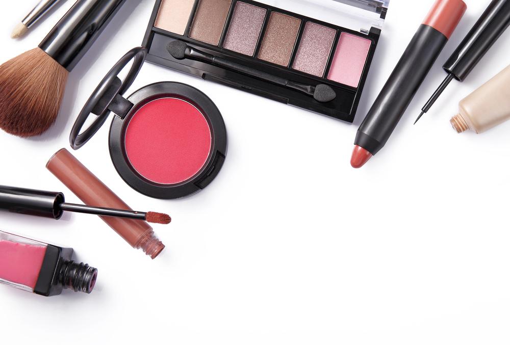 perawatan alat make up